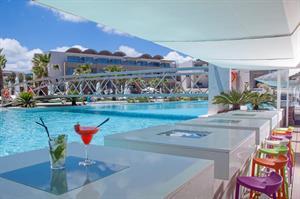 Avra Imperial Beach Resort En Spa