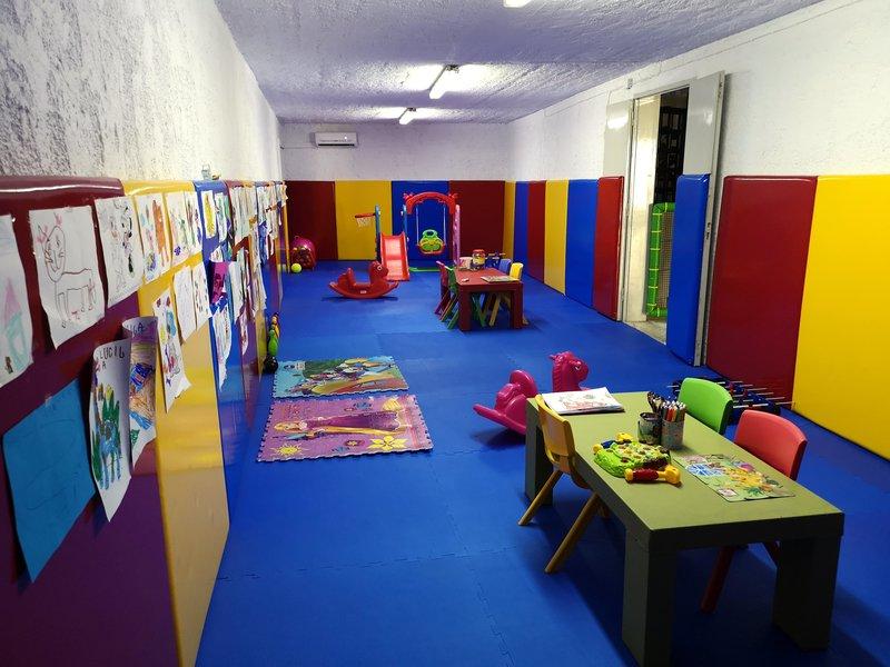 elmi suites resort