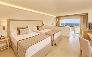 Blau Privilege Portopetro Beach Resort En Spa