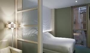 Hotel Ako suites