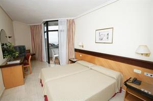- Hotel H10 Conquistador