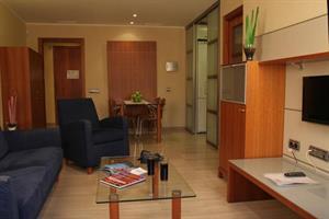 Apartotel Arago 565