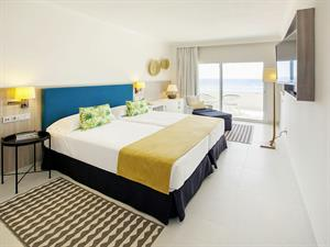 - Hotel Corallium Dunamar by Lopesan