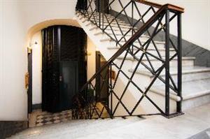 Dit uitnodigende hotel ligt in het hart van de eeuwige stad aan de voorname via nazionale. het hotel is het ...