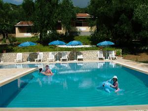 8 daagse vliegvakantie naar Villa Stefanos in barbati, griekenland