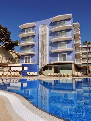 - Hotel Augustus