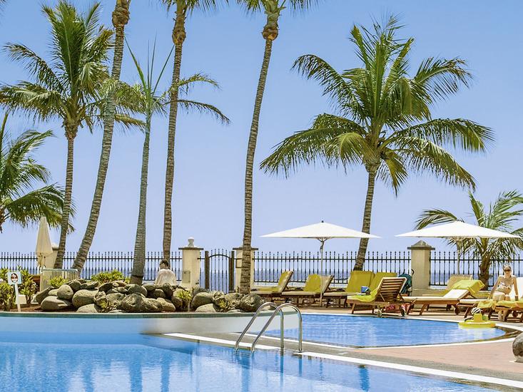 Apartotel Suitehotel Fariones Playa 2