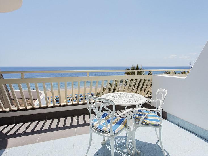 Apartotel Suitehotel Fariones Playa 3