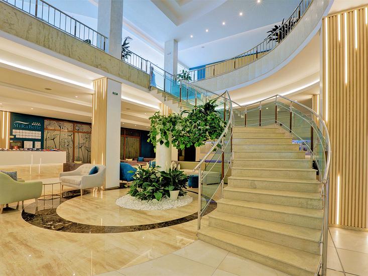 Hotel Edelweiss 2