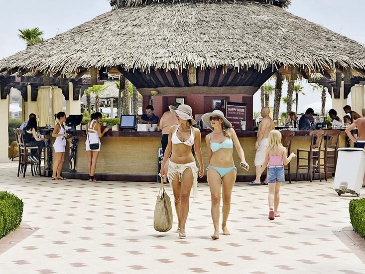 Hotel Dit Majestic Beach Resort 1