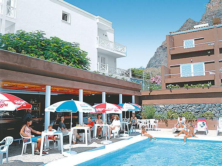 Hotel Los Tarajales 3