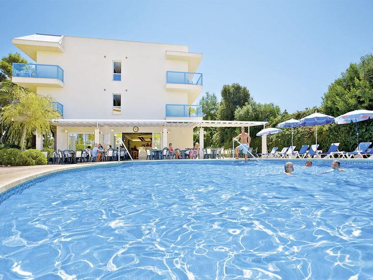 Apartotel Playa Canyamel 1