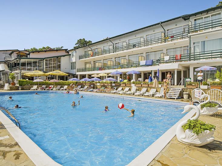 Hotel Kini Park 1
