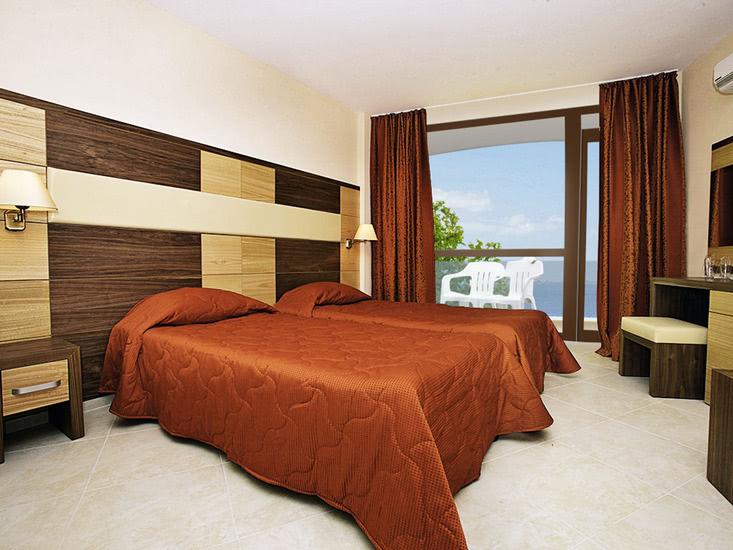 Hotel Sea Breeze 4