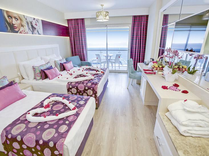 Hotel Azura Deluxe 4