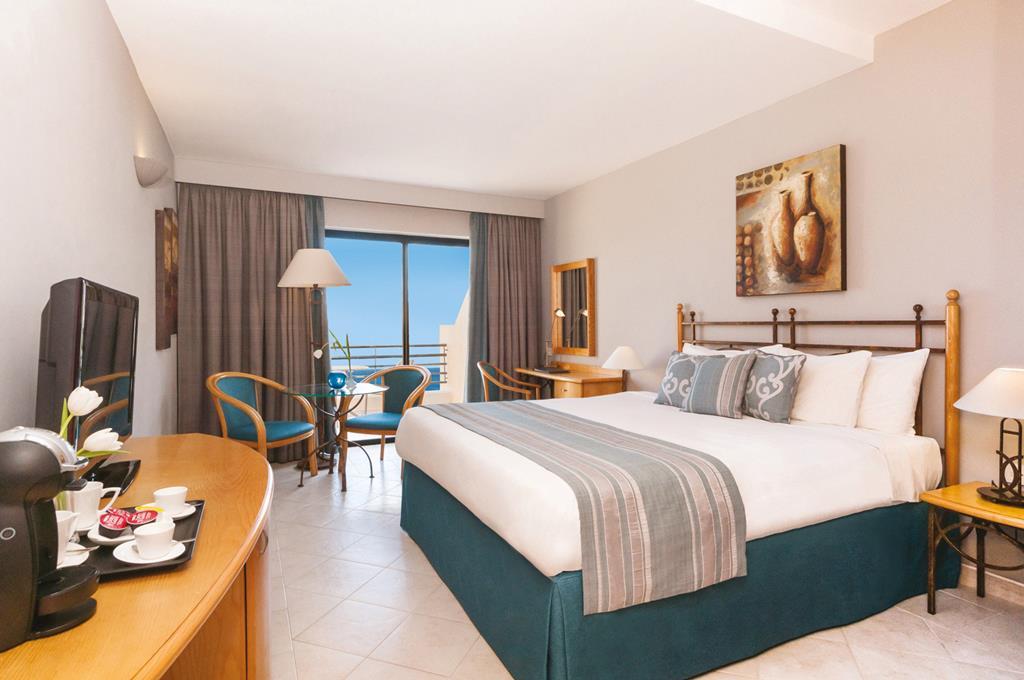 Hotel Marina Corinthia Beach Resort 2