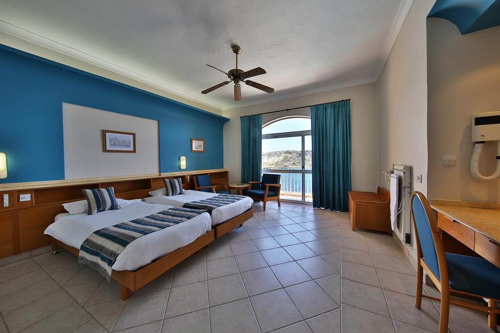 Hotel Paradise Bay 1