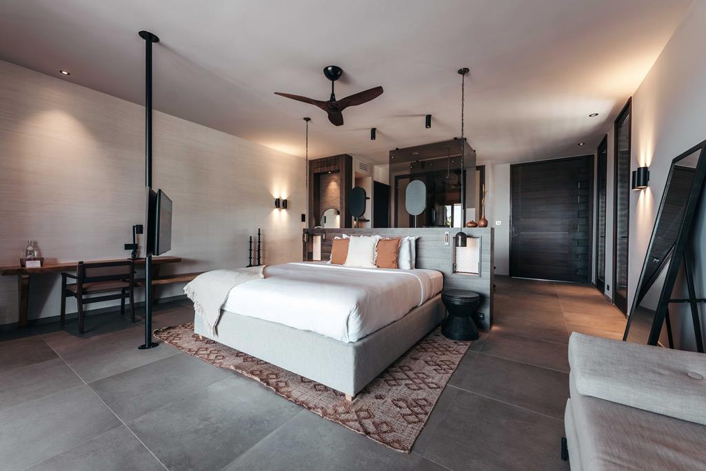 Hotel Van Der Valk Kontiki Beach Resort 4