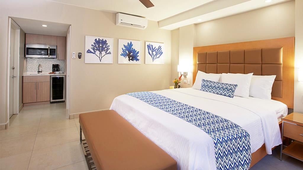Villa Divi Dutch Village Beach Resort 1