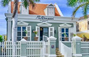 Pietermaai Boutique (Curacao), 8 dagen