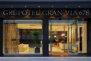 Gran Via 678 (Barcelona), 8 dagen