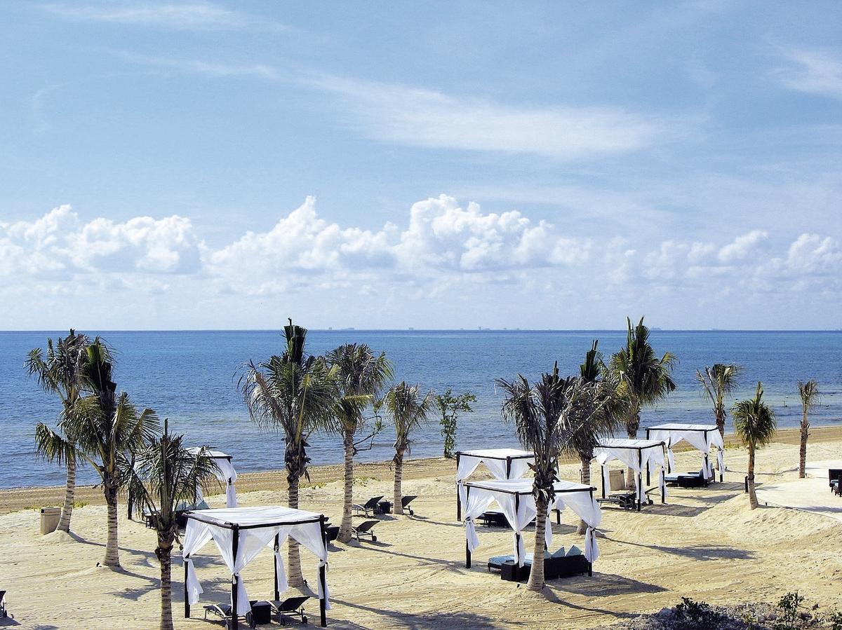 Hotel Bluebay Grand Esmeralda 2