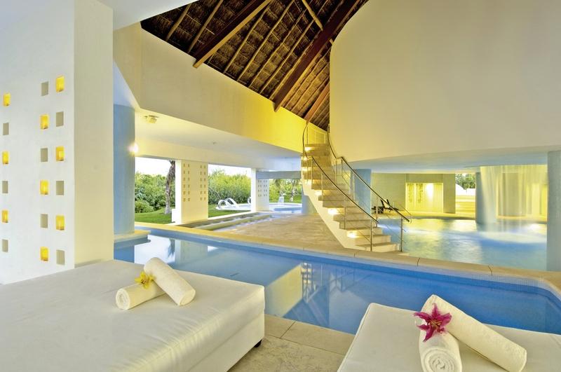 Hotel Bluebay Grand Esmeralda 4