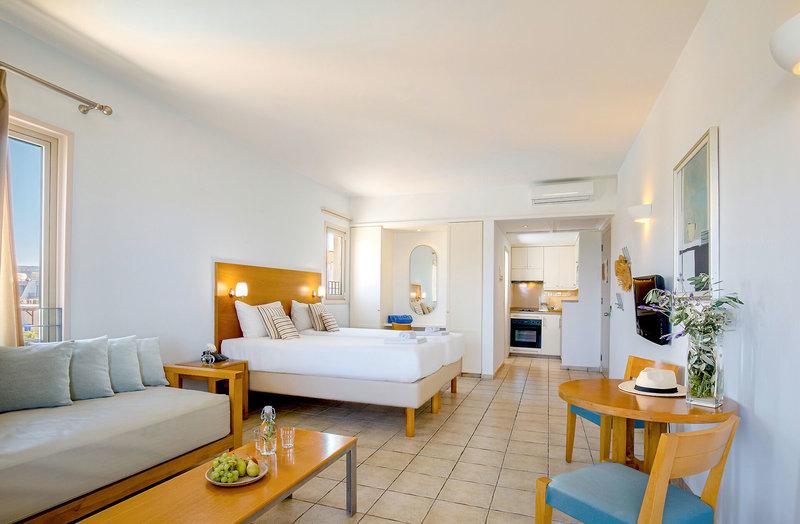 Hotel Louis Althea Beach 2