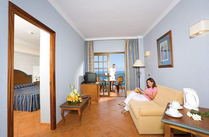 Hotel Diamante Suites 3