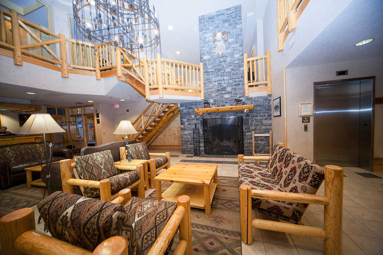 Brewsters Mountain Lodge_4