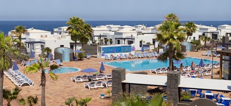 Apartotel VIK Villas Coral Beach 1