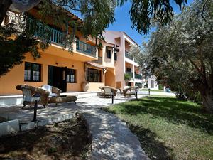 Apartotel Ledra Samos