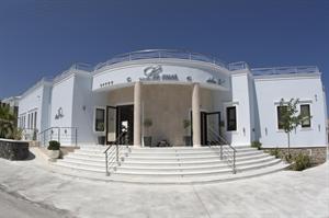 Hotel La Mer Deluxe and Spa